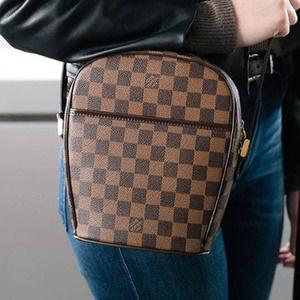 💎✨Authentic✨💎 Crossbody / Shoulder bag